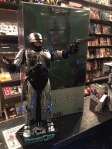 """Your move, creep."" The RoboCop Hot Toy is amazing!"
